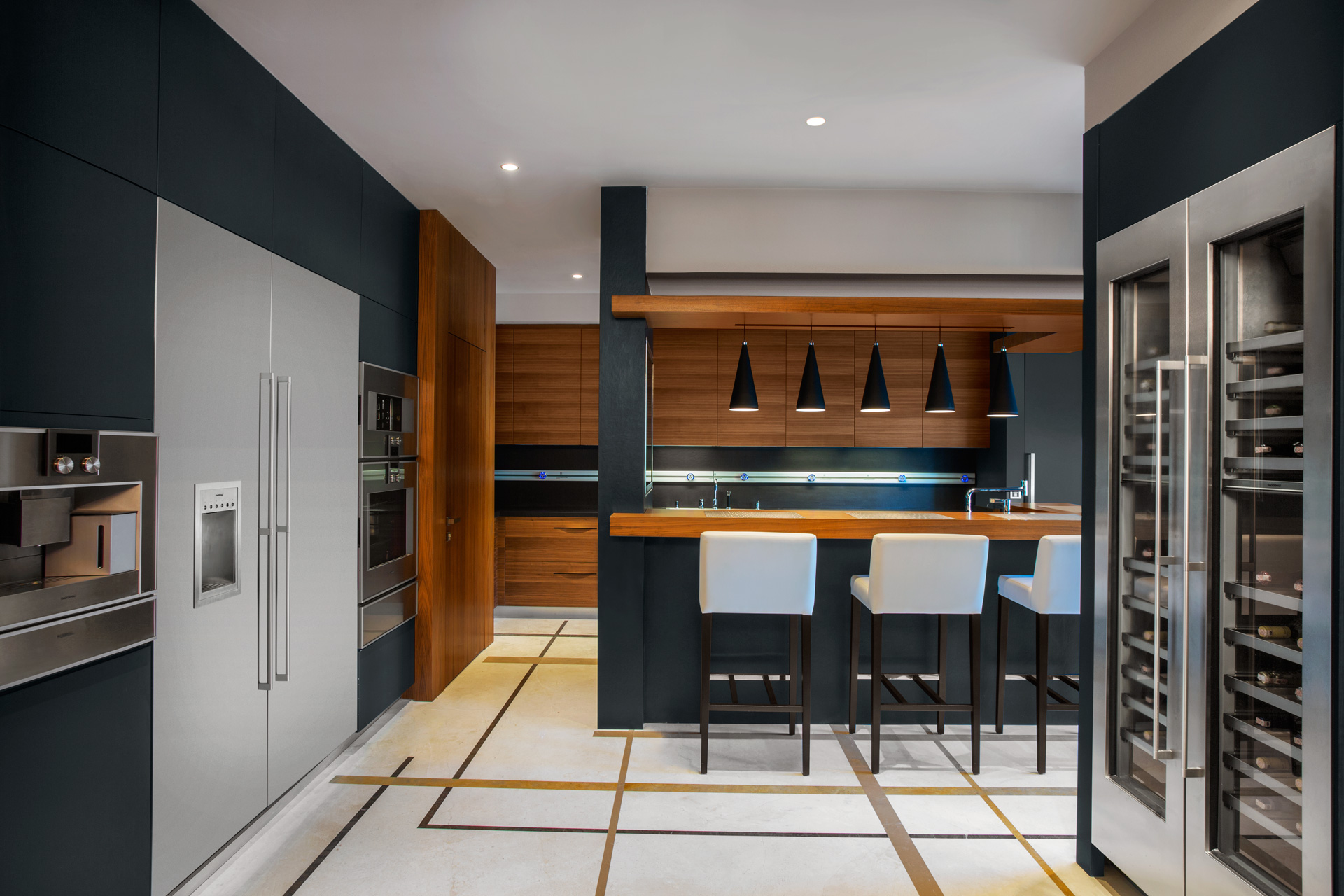 Regnum Crown Villa | Kitchen