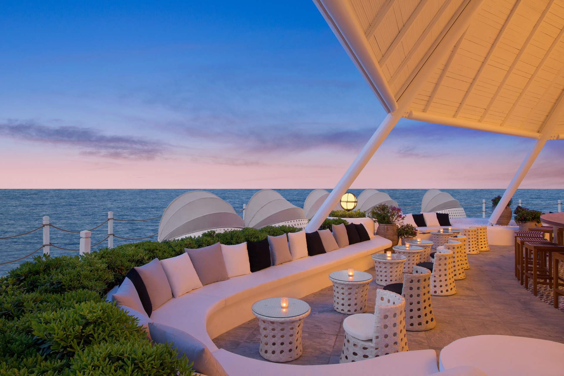 Renaissance Antalya Beach Resort | Sunset Lounge